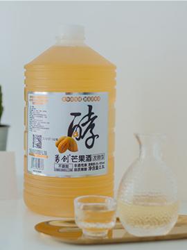 2..5 L 芒果酒